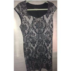 Black & white short sleeve dress